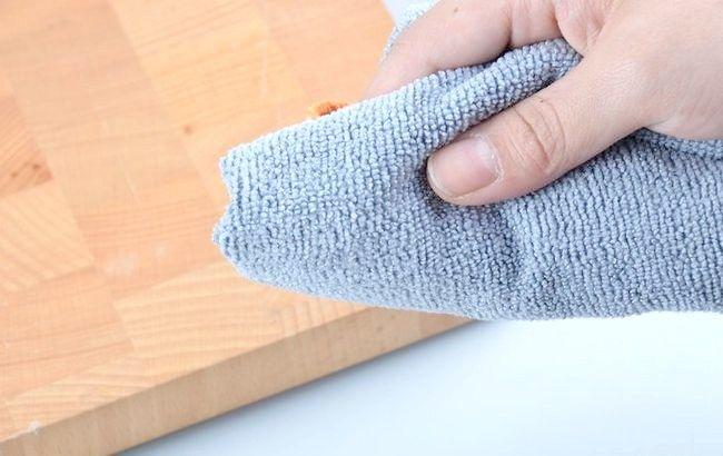 Imagine intitulată Îndepărtarea vopselei acrilice din lemn Pasul 5