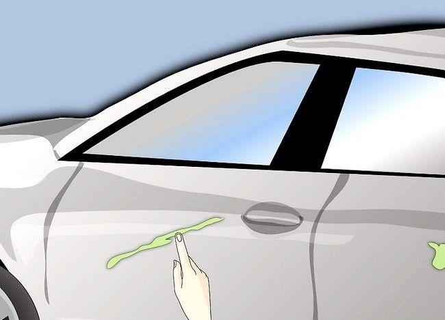 Imaginea intitulată Remove Paint Up Paint care a fost uscată pe ușa mașinii Pasul 2