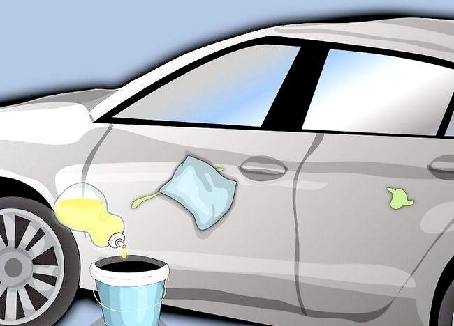 Imaginea intitulată Remove Paint Up Paint care a fost uscată pe ușa mașinii Pasul 4