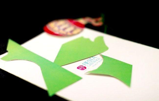Imaginea intitulată Recycle Christmas Cards Step 4