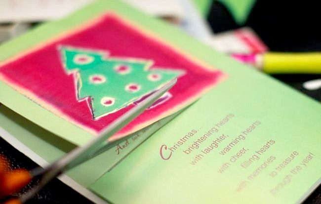 Imagine intitulată Recycle Christmas Cards Pasul 11