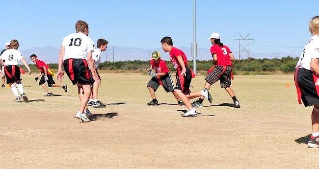 Imaginea intitulată Îmbunătățirea eficienței dvs. în alergarea înapoi la fotbal Pasul 8