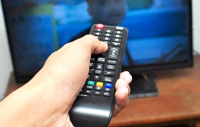 Imaginea intitulată Tunează-ți telecomanda prin Sky cu Pasul 2