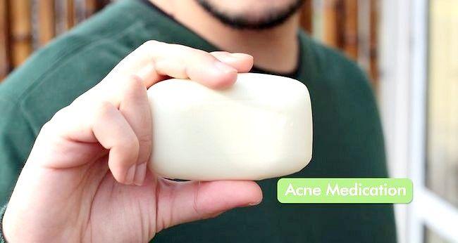 Imagine intitulată Obțineți o piele sănătoasă, strălucitoare (bărbați) Pasul 3