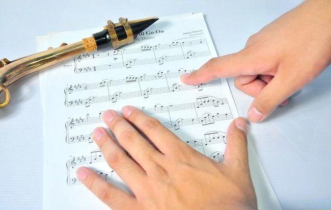 Imagine intitulată Play Saxophone Jazz Step 7