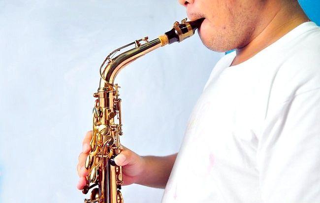 Imaginea intitulată Play Saxophone Jazz Step 8