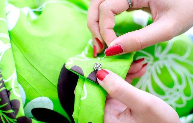 Imaginea intitulată Faceți o rochie de pe o foaie de pat fixată Pasul 33