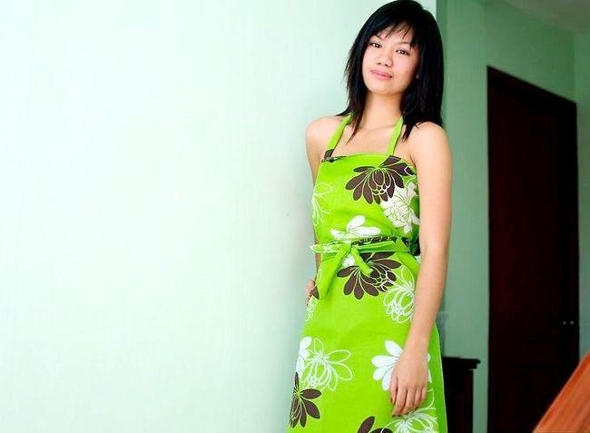 Imaginea intitulată Fă-o rochie de la un intro- duced foaie de pat