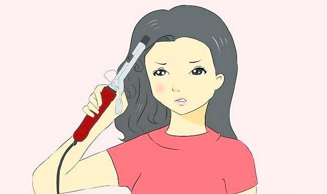 Imaginea intitulată Tratarea unei arsuri de la nivelul unui fier curling pentru a preveni cicatricile Pasul 3