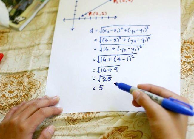 Imaginea intitulată Utilizați formula distanței pentru a găsi lungimea unei linii Pasul 8