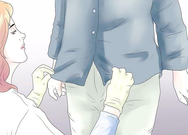 Imaginea intitulată Aplicați plăcuțele de incontinență Pasul 22