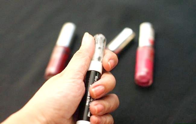 Cum să folosiți un stilou de unghii artistic