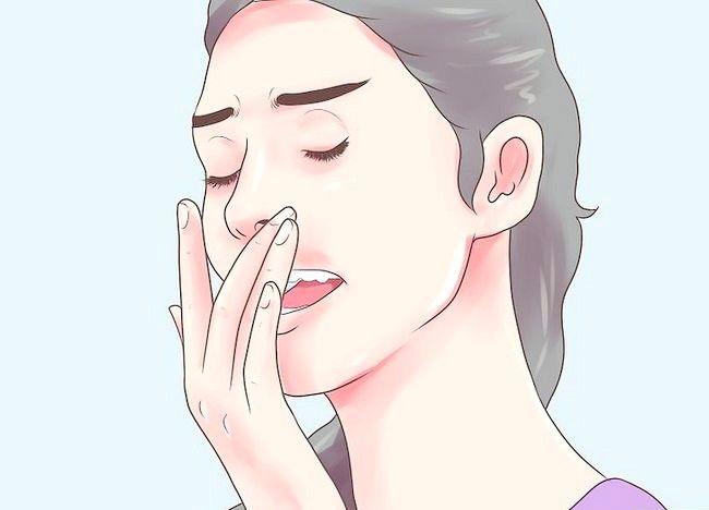 Imaginea intitulată Folosiți racletul limbii Pasul 10
