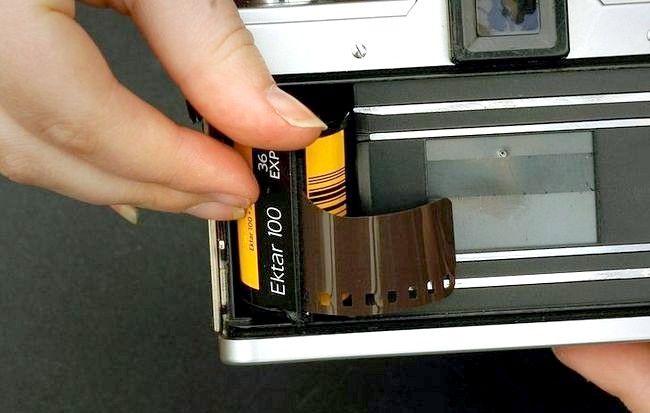 Imagine cu titlul 24_Removing_film_710.JPG