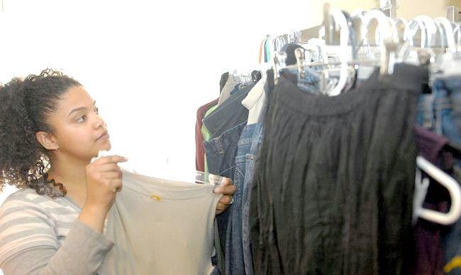 Imaginea intitulată Thrift Shop ajută consumatorii, comunitatea 1