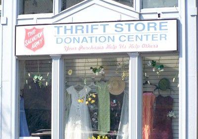 Imagine cu titlul Salvarea Army Thrift Store 1