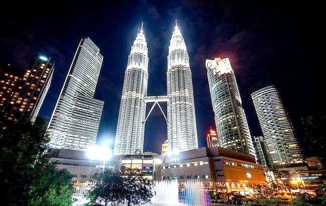 Cum să vizitați Turnurile Petronas